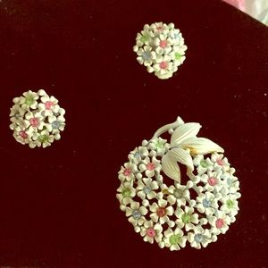 Vintage earrings and brooche set